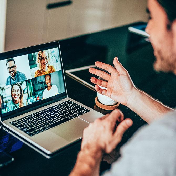Videokonferenz mit Kollegen